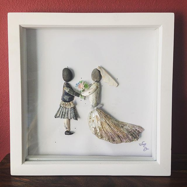 wedding gift, pebble art